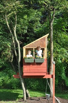 Playhouse For Kids: Treehouse treehouse, a house up a tree...