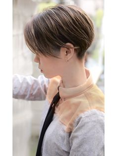 New Ideas Haircut Brunette Thick Hair Short Hairstyles Over 50, Girls Short Haircuts, Haircuts For Long Hair, Tomboy Haircut, Tomboy Hairstyles, Asian Short Hair, Short Hair Cuts, Shot Hair Styles, Long Wavy Hair