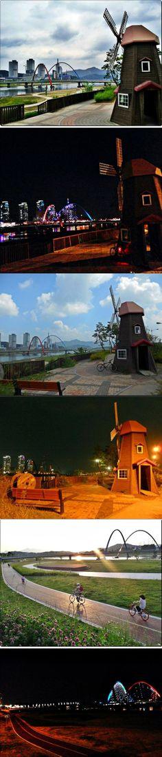 갑천 풍경. (甲川 Gapcheon River) in Daejeon, Korea.