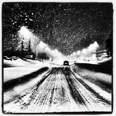 På'n igjen  #adressa #nrktrøndelag #trondheim #tiller #trøndelag #heimdalsbladet #snø #snøvær #snøfokk #snøføre #brøyting #vinter #bw #white #snowzilla #snow #blizzard #weather #winter #snowstorm #road #norway by borreli