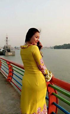 Beautiful Muslim Women, Most Beautiful Indian Actress, Sexy Asian Girls, Beautiful Asian Girls, Burmese Girls, Myanmar Women, Beauty Full Girl, Indian Beauty Saree, Asian Woman