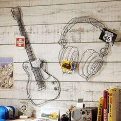 wire wall decor, boys room