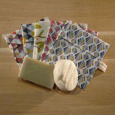 Pochette à savon - 4 Purses And Bags, Sewing, Baguette, Diy, Textiles, Pocket, Scrappy Quilts, Sacks, Hipster Stuff