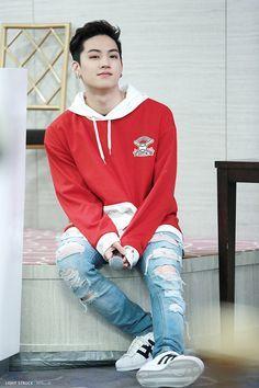 I believe this is the Home Run outfit. I love that song. #HomeRun #JB #Jaebum #Got7 #igot7
