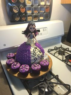 Raven (Ever After High) cake