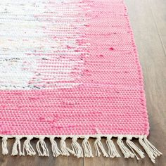 The Montauk collection captures the essence of casual designer styling in flat weave rugs that complement homes from coastal to contemporary. Hand-crafted in India of cotton for clarity of color, Montauk rugs are woven to create classic Ikat tie-dye effects.