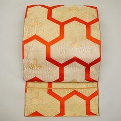 Gold and red, fukuro obi / 表情豊かな金の毘沙門亀甲柄を織り上げた袋帯   #Kimono #Japan http://global.rakuten.com/en/store/aiyama/