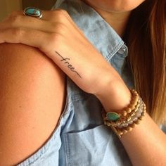 Tatuagem minimalista                                                                                                                                                                                 Mais