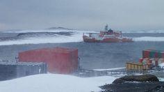 Aurora Australis: Antarctica icebreaker passengers rescued - BBC News