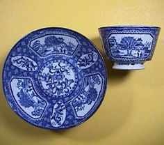 c1815 Cracked Ice & Chinoiserie Blue Printed Pearlware Cup & Saucer