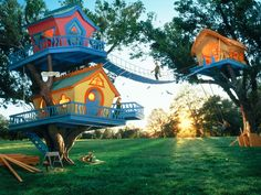 Most awesome treehouse ever!!