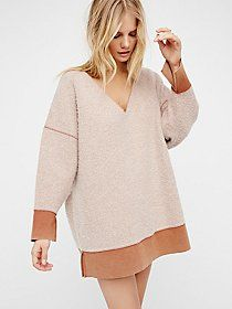 Lightning Strikes Pullover | Oh-so soft, cozy and warm pullover sweater featuring contrast trim along the rounded neck, waist, and sleeve cuffs. In an oversized and easy silhouette this sweater has wide long sleeves.