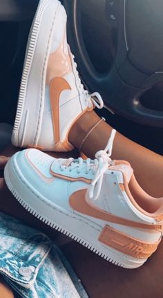 Dr Shoes, Cute Nike Shoes, Swag Shoes, Cute Sneakers, Nike Air Shoes, Hype Shoes, Nike Shoes Outfits, Nike Summer Shoes, Women Nike Shoes