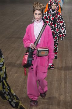 Marc Jacobs Spring 2018 Ready-to-Wear Undefined Photos - Vogue