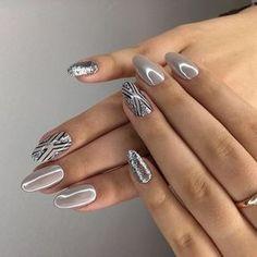 Trendy silver manicure: ideas for brilliant nail art - Nails Art - Design Pretty Nail Designs, Pretty Nail Art, Gel Nail Designs, Nagel Tattoo, Crome Nails, Nailed It, Nagellack Design, Nail Design Video, Gray Nails