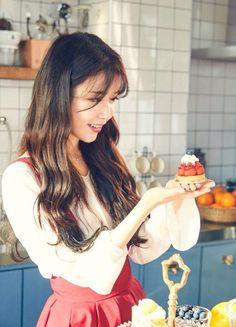 Iu capmh❤️ Cute Korean, Korean Girl, Asian Girl, Korean Actresses, Korean Actors, Korean Beauty, Asian Beauty, Korean Celebrities, Celebs