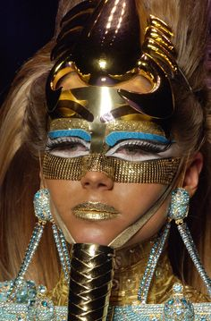 # Mask Fashion in Details