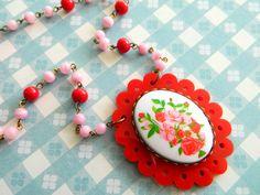 Vintage Necklace Retro Red & Pink Floral Roses