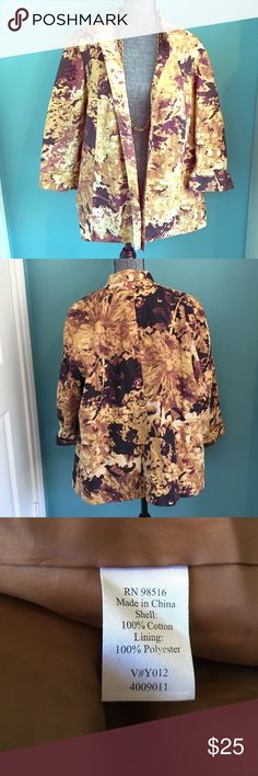 """Coldwater Creek Jacket Blazer Abstract 3/4 sleeves Tag says 2X (20W 22W), 2 side pockets. Lined in brown. Worn open in front. Cuffed 3/4 sleeves. Bust 26 across armpit to armpit"""", length 27.5"""" from top of back collar down to hem. Sleeves 18.75"""" from shoulder seam Coldwater Creek Jackets & Coats Blazers"""