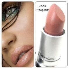 "TIP! MAC ""Hug me"" The best peach colored lipstick! MAC ""Hug me"" Der beste pfirsichfarbene Lippenstift! Ideal für … – Make Up Tipps TIP! MAC ""Hug me"" The best peach colored lipstick! Ideal for … - Peach Color Lipstick, Nude Lipstick, Lipstick Shades, Hug Me Mac Lipstick, Lipstick Brands, Mac Lipsticks, Makeup Dupes, Skin Makeup, Beauty Tips"