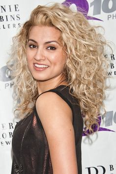 Tori Kelly and her great hair Layered Curly Haircuts, Curly Hair Cuts, Curly Hair Styles, Natural Hair Styles, Curly Hair Layers, Natural Curls, Blonde Curly Hair Natural, Long Layered Curly Hair, Wild Curly Hair