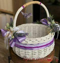 Girl Gift Baskets, Wedding Gift Baskets, Wedding Gift Wrapping, Creative Gift Wrapping, Indian Wedding Gifts, Tea Cup Art, Flower Girl Basket, Basket Decoration, Pottery Designs