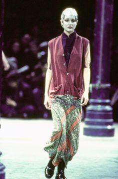 Comme des Garçons Fall 1993 Ready-to-Wear Fashion Show - Chandra North