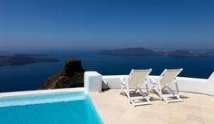 The best hotels in Santorini: Astra Suites pool with view in Imerovigli.