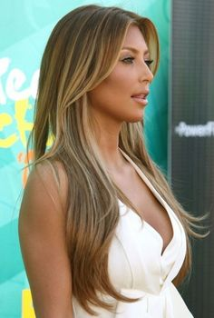 Brown hair, golden blonde highlights hair-color-inspiration