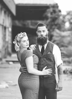 Rockabilly couple with retro hair, pin-up dress, beard, and vest Moda Rockabilly, Rockabilly Couple, Rockabilly Wedding, Rockabilly Fashion, Couple Style, Psychobilly, Moustaches, Best Beard Balm, Painting Art