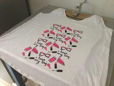 """Diseño """"i love my Bag"""" en camiseta de chica, fabricada bajo condiciones éticas, estampada a dos serigrafías."""