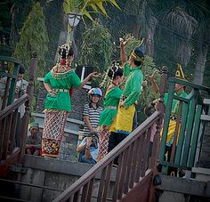 Traditional Dance. @ Wadai Ramadhan Market, Banjarmasin Indonesia.    Traditional Dance - spotted as we are on our way to the Ramadhan Market on boat. Heaven On Earth, Southeast Asia, Bali, Celebrations