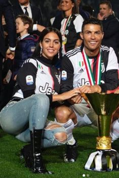 It's always good to share these beautiful moments with my loves ❤️😀👌🏻 Cristiano Ronaldo Style, Cristiano Ronaldo Juventus, Cristiano Ronaldo Cr7, Juventus Fc, Sport Quotes, Sports Sayings, Football Quotes, Soccer Shirts, Soccer Players