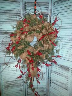DIY Christmas Wreaths for Front Door – Burlap Burlap Crafts, Wreath Crafts, Diy Wreath, Christmas Projects, Holiday Crafts, Burlap Wreaths, Country Wreaths, Wreath Ideas, Holiday Wreaths
