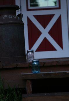 {Solar mason jar lanterns}