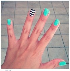 Cute!!(: .... I am getting the kiss fake nails  100 pack ... And try to attempt to do this lol ...(fail)