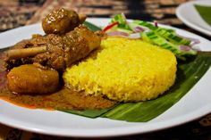 "3 hungry tummies: Nasi Kunyit 黃薑飯 Steamed Glutinous Rice With Turmeric And Coconut Milk - ""Malaysian Monday 71"""
