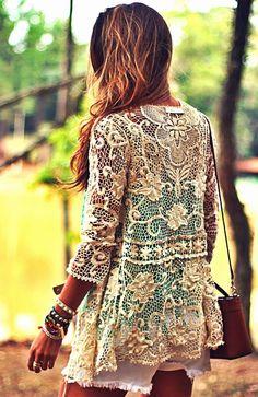 Blusón tela de encaje, color crema