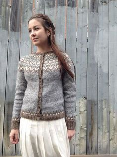 previous pinner wrote: riddari by sweetbeanbag ~ wonderful mods on her Rav site explaining the variations to the original pattern ~ knit with Ístex Létt-Lopi and Ístex Alafoss-Lopi Fair Isle Knitting, Knitting Yarn, Hand Knitting, Icelandic Sweaters, Wool Sweaters, Fair Isle Pattern, Knitwear, Knitting Patterns, Knit Crochet