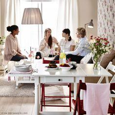 Uz INGATORP produljivi stol, i poneki neočekivani gost imat će mjesta. :) www.IKEA.hr/INGATORP_produljivi_stol