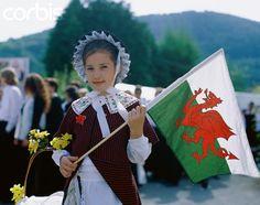 Girl Wearing Traditional Welsh Dress on St David's Day.  Photographer: Stephen Vidler