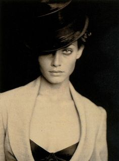 """""""Double Jeu"""". Amber Valletta photographed by Paolo Roversi for Vogue Paris, May 1994."""