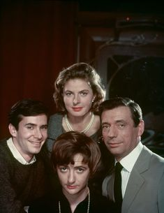 Anthony Perkins, Ingrid Bergman, Yves Montand and Françoise Sagan by Philippe Halsman, 1961 Anthony Perkins, Ingrid Bergman, Albert Camus, Victor Hugo, Golden Age Of Hollywood, Vintage Hollywood, Yves Montand, Françoise Sagan, Alphonse Daudet