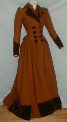 lovely 1880s wool and velvet traveling dress