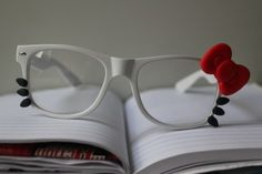 For the girly nerd in me: Hello Kitty glasses :) Sanrio, Chat Hello Kitty, Kitty Kitty, Just In Case, Just For You, Little Mac, Hello Kitty Accessories, Kawaii Accessories, Fashion Mode