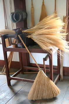 I just love these Shaker straw brooms. Straw brooms work amazingly well... better than our modern brooms.