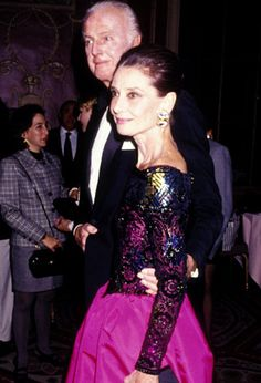 Hubert de Givenchy, Audrey Hepburn, and Robert Wolders attend the Eighth Annual Night of Stars Fashion Gala on November 1991 at the Waldorf Hotel in New York City. Robert Wolders, Audrey Hepburn Pictures, Shirley Maclaine, Cecil Beaton, Ageless Beauty, Golden Age Of Hollywood, Elizabeth Taylor, Star Fashion, Role Models