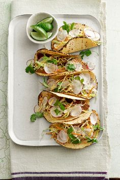 Thai Steak Tacos: Try juicy Thai-marinated steak for a new spin on usual tacos. Plus, these are ready in just 30 minutes! Burritos, Football Party Foods, Steak Tacos, Fish Tacos, Cooking Recipes, Healthy Recipes, Steak Recipes, Healthy Dinners, Cooking Tips