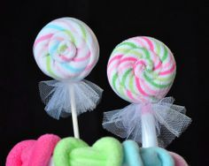 Baby Washcloth Flowers, WashAgami ™, Bouquet or Diaper Cake Topper Washcloth Lollipops, Baby Washcloth, Washcloth Cupcakes, Baby Lollipops, Baby Shower Crafts, Baby Crafts, Shower Bebe, Girl Shower, Shower Favors