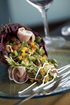 DeGu7 Restaurant Restaurant Bar, Cobb Salad, Cabbage, Menu, Vegetables, Travel, Food, Menu Board Design, Viajes